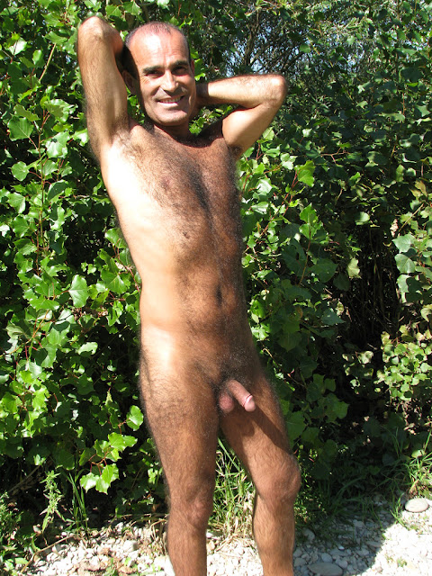 Un Hairy Uncut Mature Daddy