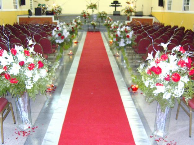decoracao de casamento igreja evangelica : decoracao de casamento igreja evangelica: -de-DECORAcaO-DE-IGREJA-ARRANJOS-BUQUES-ORNAMENTAcaO-CASAMENTOS.jpg