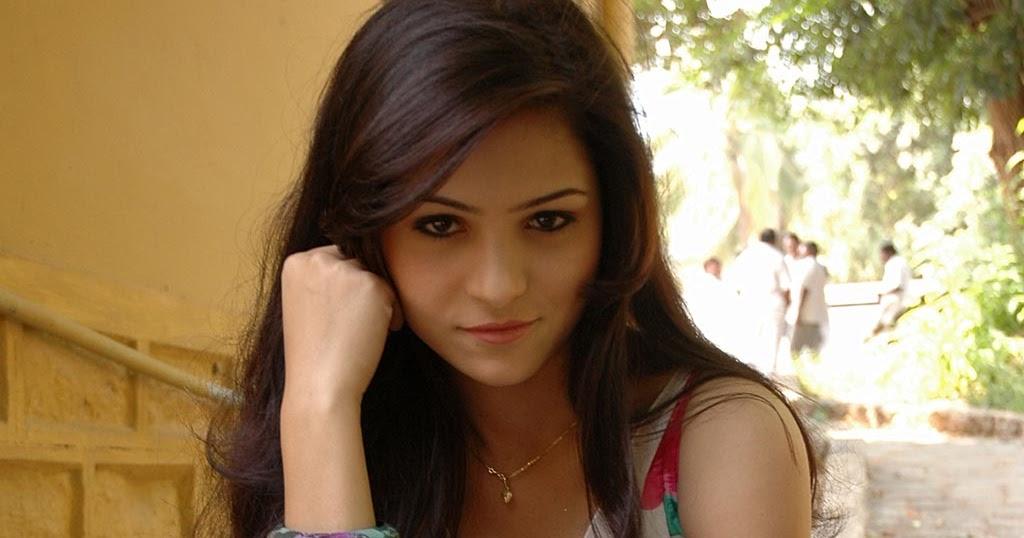 Telugu Actress Hot Nikitha Albums   Hot Pictures Of