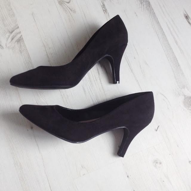 Dorothy Perkins Mid Heel Pointed Courts