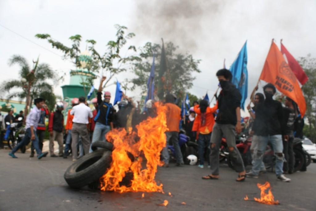 Pangkep Momentum Hari Pendidikan Nasional Diwarnai Demonstrasi