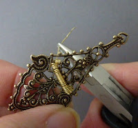 How to Make Convertible Brooch Pendant Necklaces