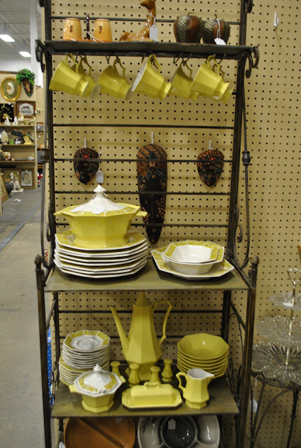 Flashback Summer: Flea Market Mecca- Relics Antique Mall, Springfield, Missouri
