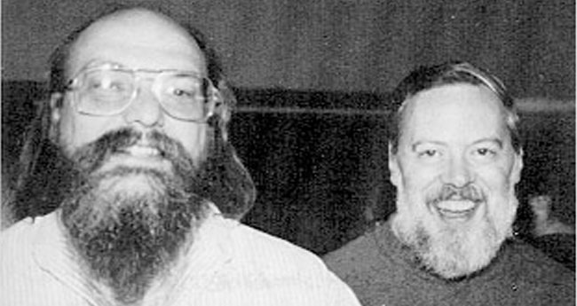 C의 창시자 켄 톰슨(좌)과 데니스 리치(우)