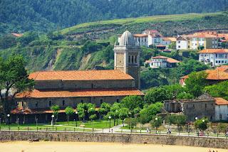 Luanco, inicio de la senda a Bañugues
