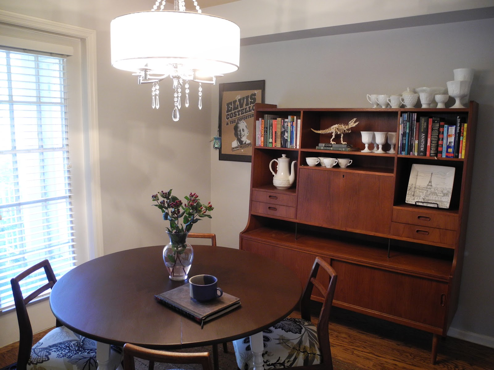 Librarian tells all i live here gray mid century dining for Mid century modern dining rooms