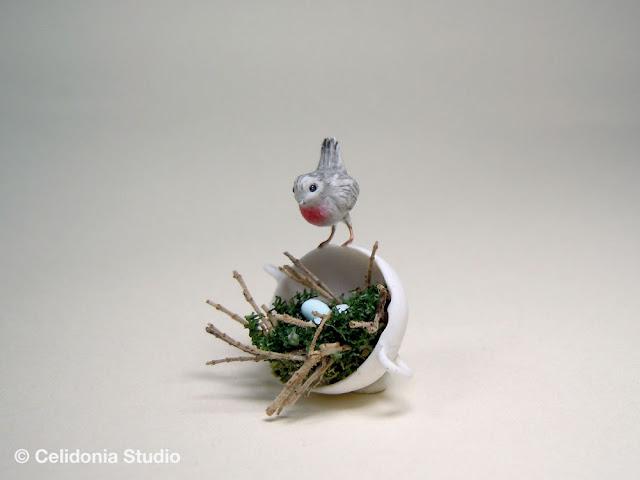 pettirosso sul nido, miniatura ooak di celidonia