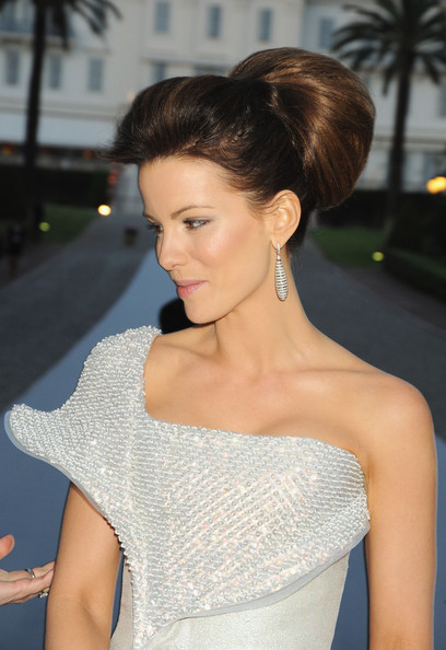 kate beckinsale hair pearl harbor. Kate Beckinsale Wedding