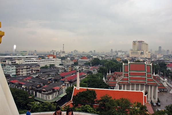 El Templo de la montana dorada de Bangkok