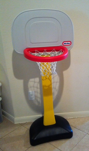 how to take apart little tikes basketball hoop