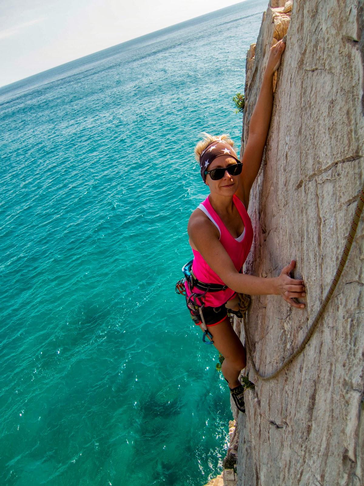 climbing rock sea swimsuits - photo #34