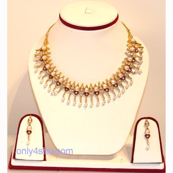 Brilliant Latest Gold Necklace Set Designs 600 x 600 · 62 kB · jpeg