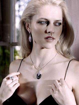 Foto Sexy Teresa Palmer, Aktris Dalam Film Warm Bodies - Ada Yang Asik