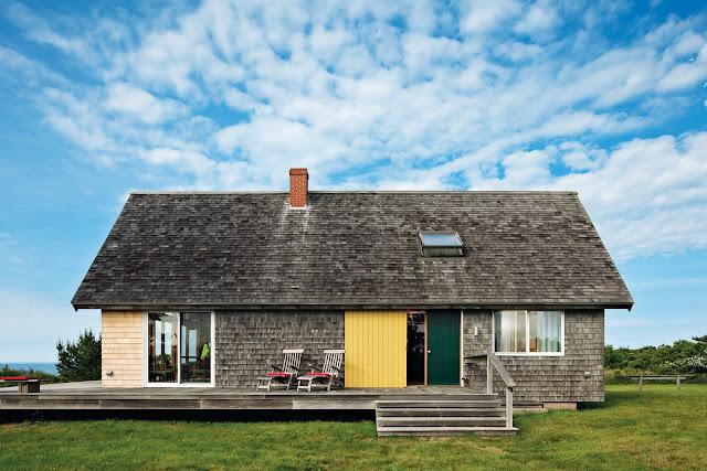 Simple Holz-Architektur führt in Architekten-Händen zum zeitlos-klassischem Design-Bau