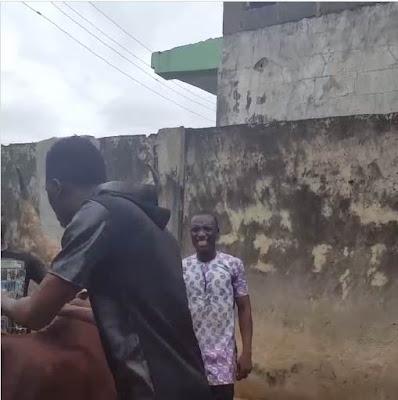 Comedian Akpororo riding his cow to Warri,Akpororo on a cow,Akpororo rides a cow,Akpororo and cow 2