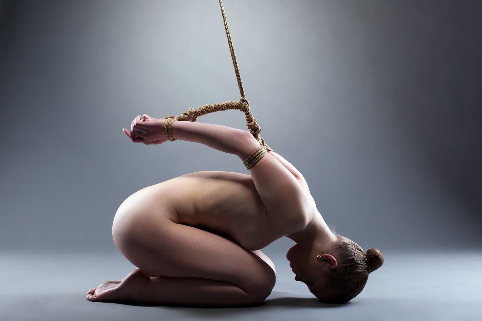 Фото связанных верёвками девушек 15 фотография