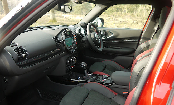 Mini Clubman front interior