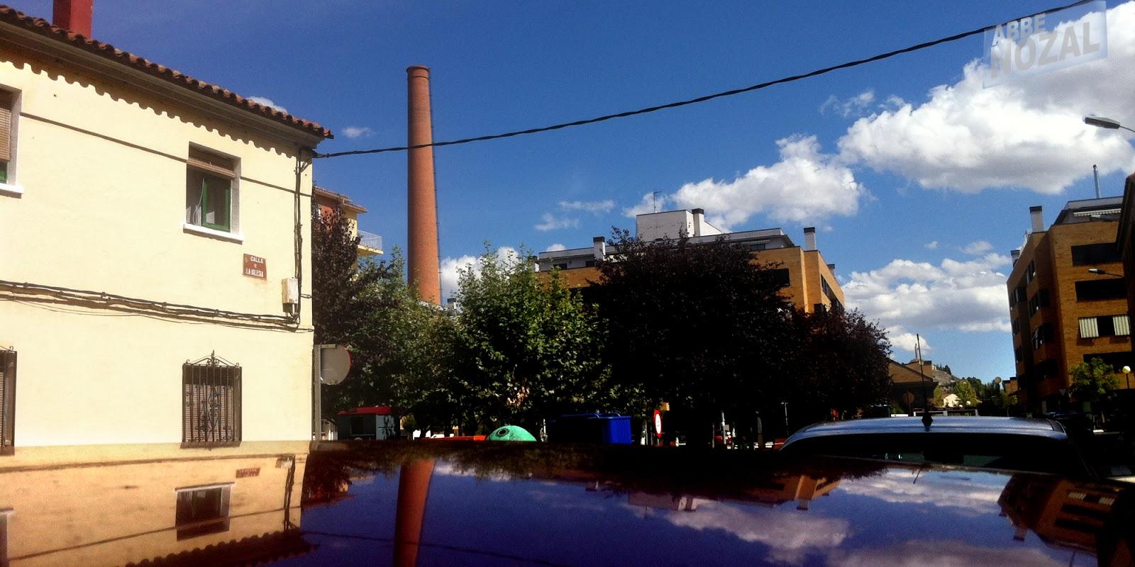 Cable con chimenea al fondo, 2014 Abbé Nozal