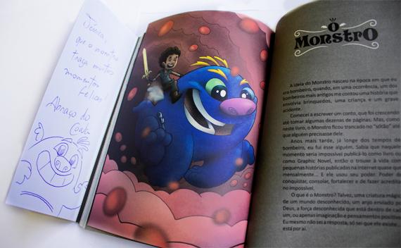 "Livro ""O Monstro"" e meu autógrafo - Fábio Coala"