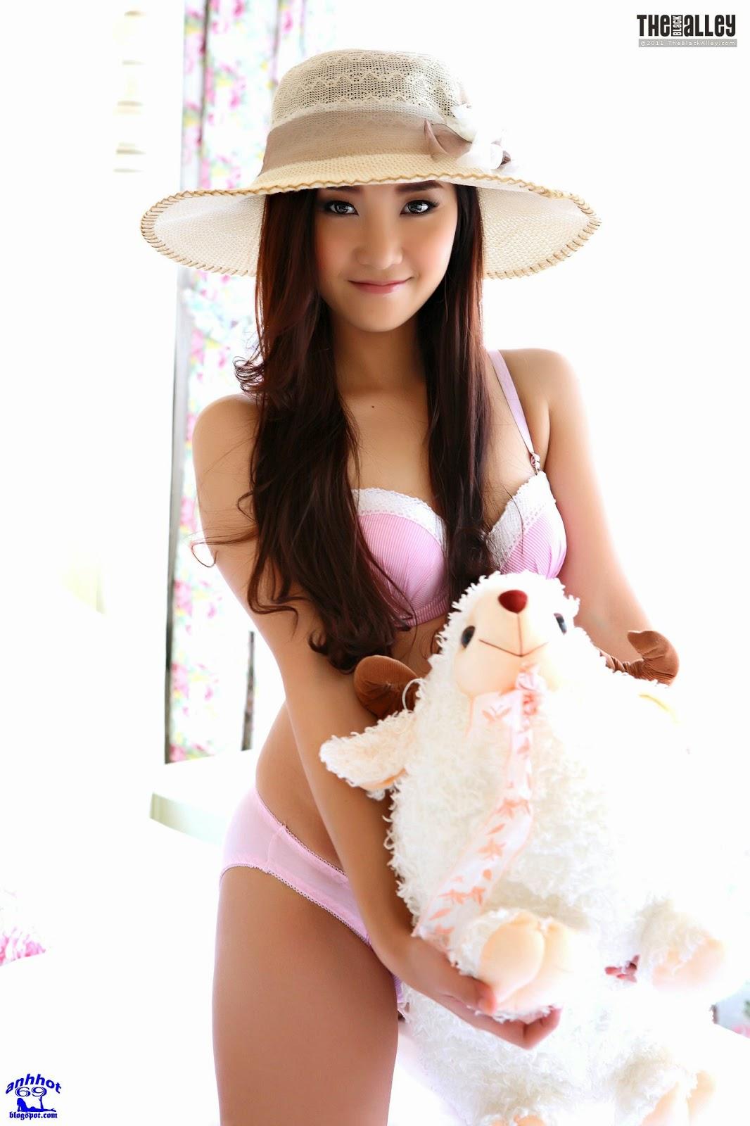 lolita-cheng-64-001