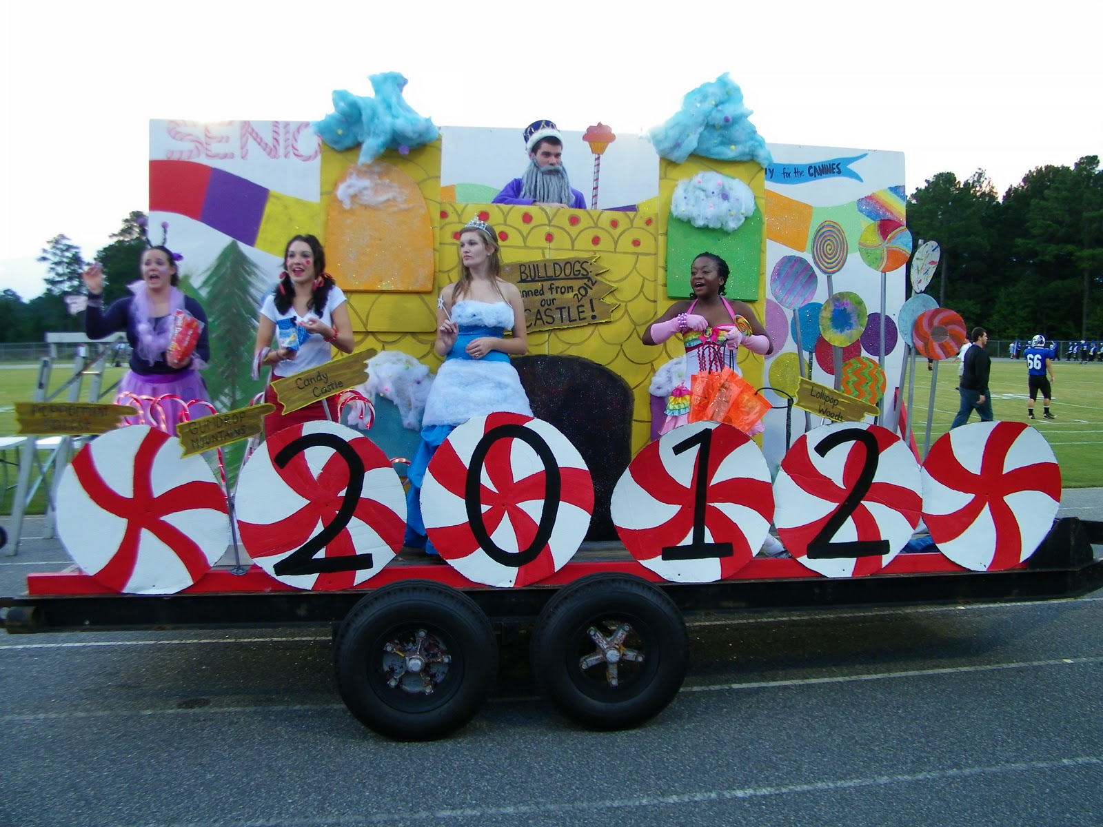 Christmas parade ideas - Homecoming 4 Of 4 From Floats To Royalty
