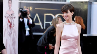 Anne Hathaway Oscars Dress, Anne Hathaway nipples, LesNipplerables, Nipply, Nipplegate, Anne Hathway nipples