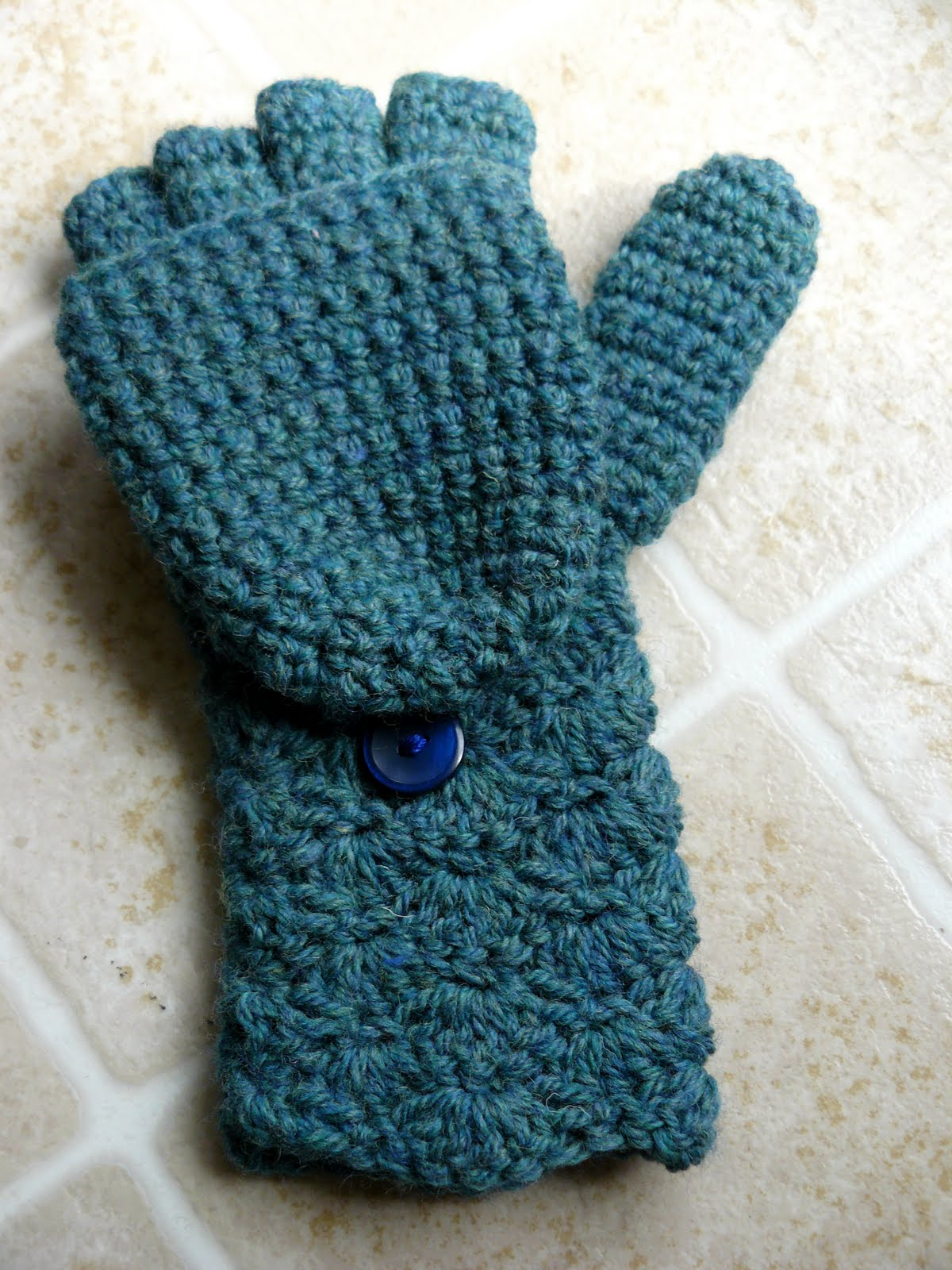 The Woven Home: Crochet Projects: Glittens
