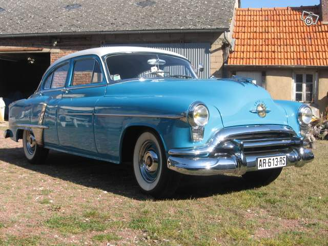 OLDSMOBILE super 88 1951