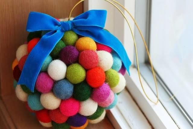 Новогодняя игрушка своими руками из шарика