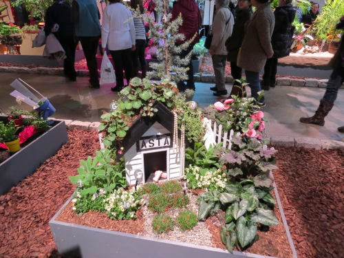 Philadelphia Flower Show 2015: Dog Houses- Asta