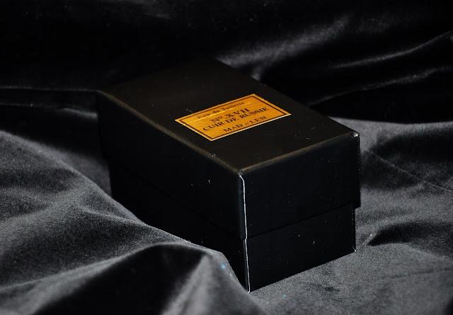 духи в черной коробочке Mad et Len