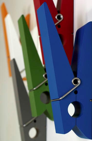 hooks like oversized clothespins