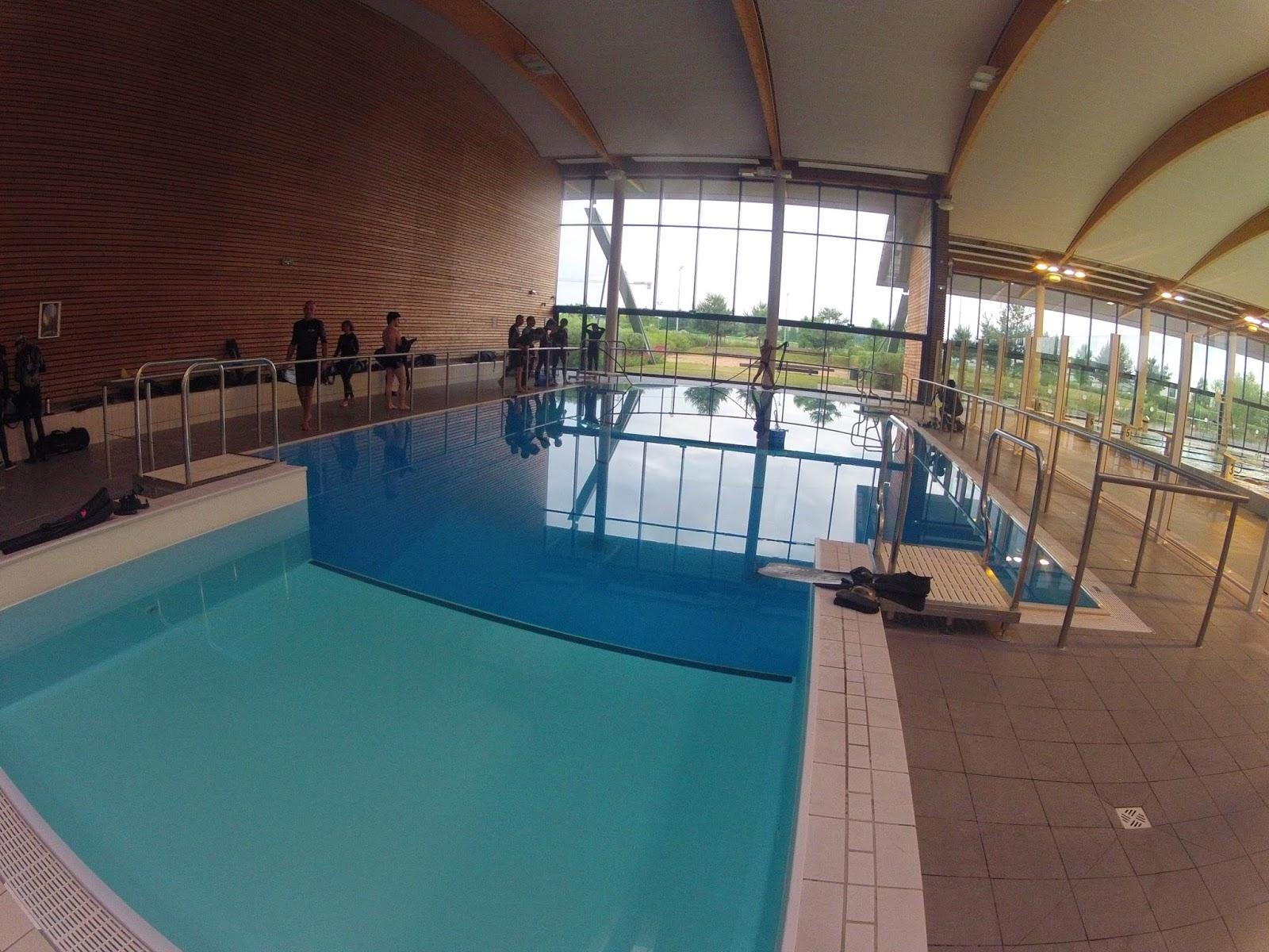 Bonjour j 39 ai touch l 39 fond d 39 la piscine - Piscine les vagues a meyzieu ...