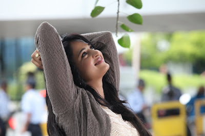 anushka new from mirchi cute stills