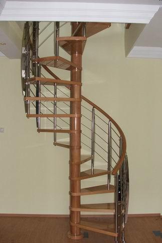 Construir en madera dise o de la escalera for Trazar una escalera