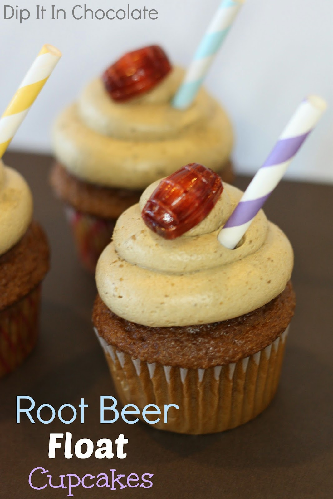 Root Beer Float Cupcakes ~ Dip it in Chocolate