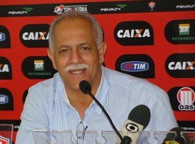 Raimundo Queiroz faz parceria com Feirense