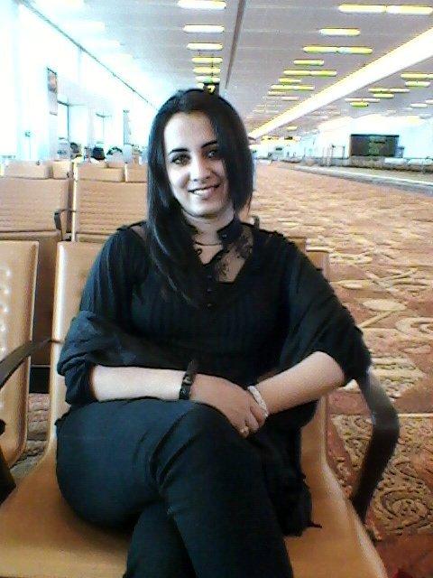 Farzana Naz Pashto