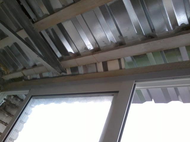Крыша на балконе фото