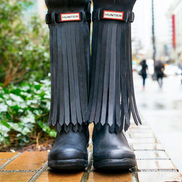 hunter-fringe-rain-boots