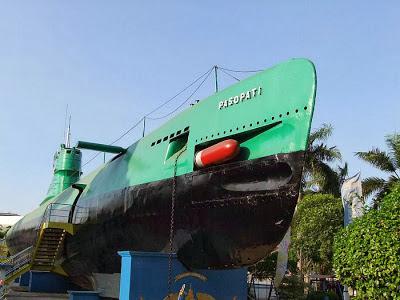 Berwisata di Monumen Kapal Selam di Surabaya
