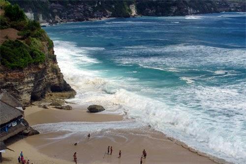 Tempat Wisata Di Bali : Pantai Dreamland