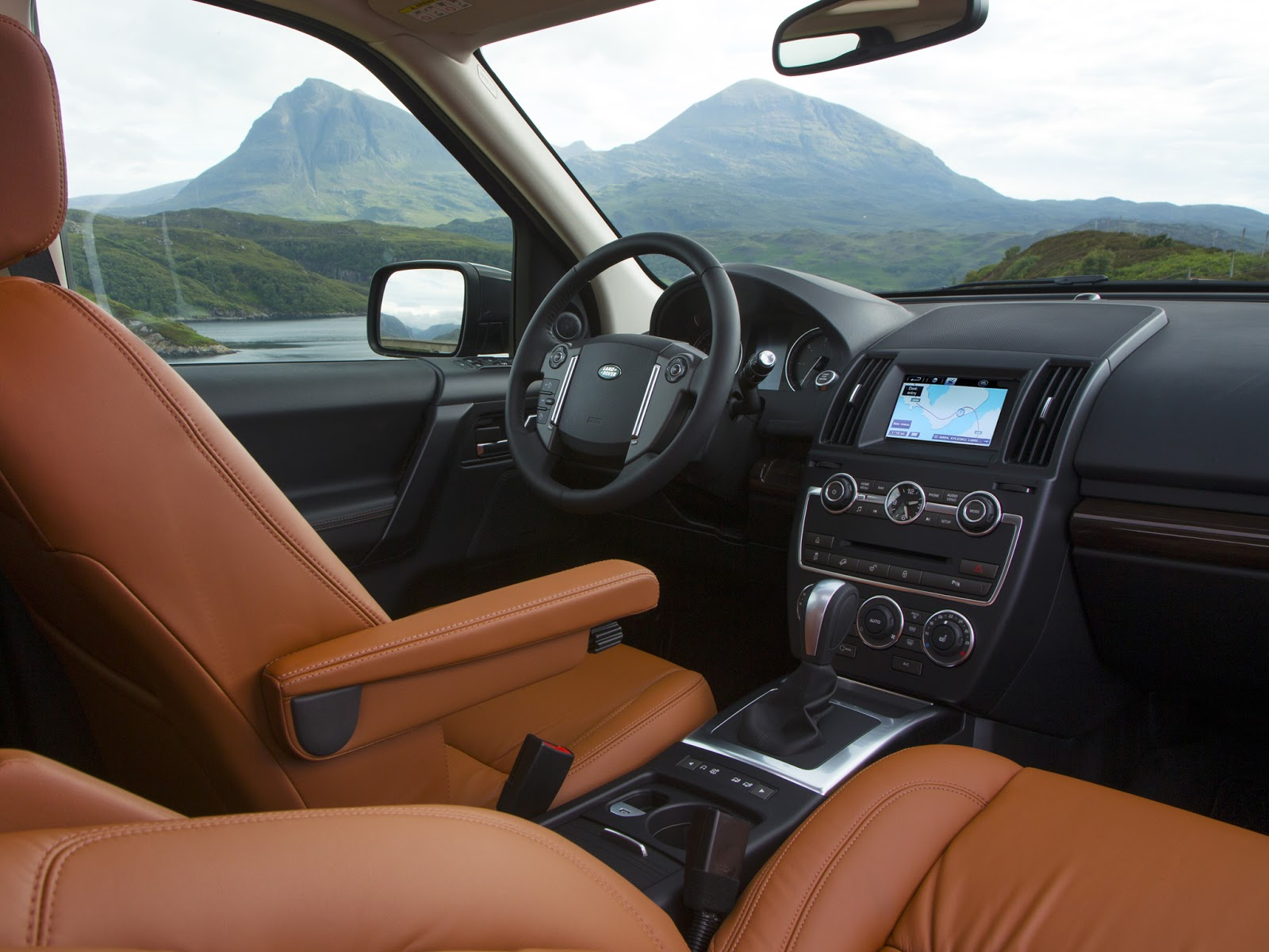 car on Land Rover Freelander 2 2013