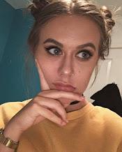 LAUREN, 19, UK