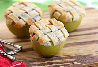 http://www.handimania.com/cooking/apple-lattice-pies.html