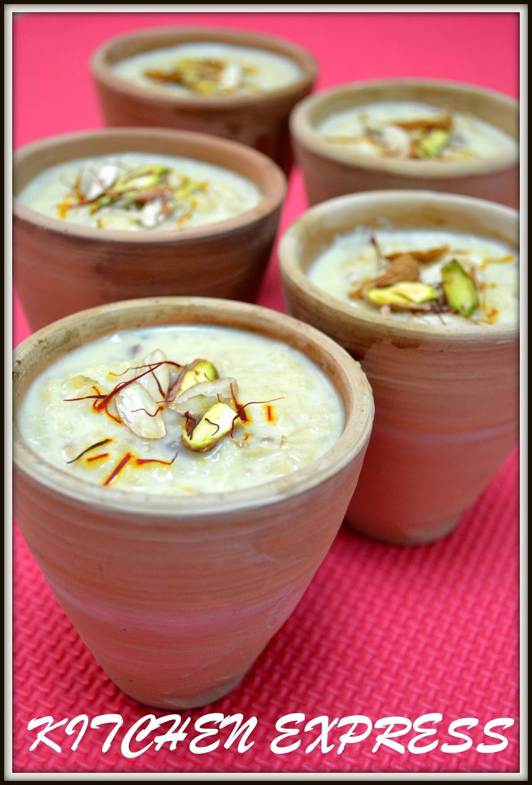 apple rabdi (evaporated milk with apple pudding)