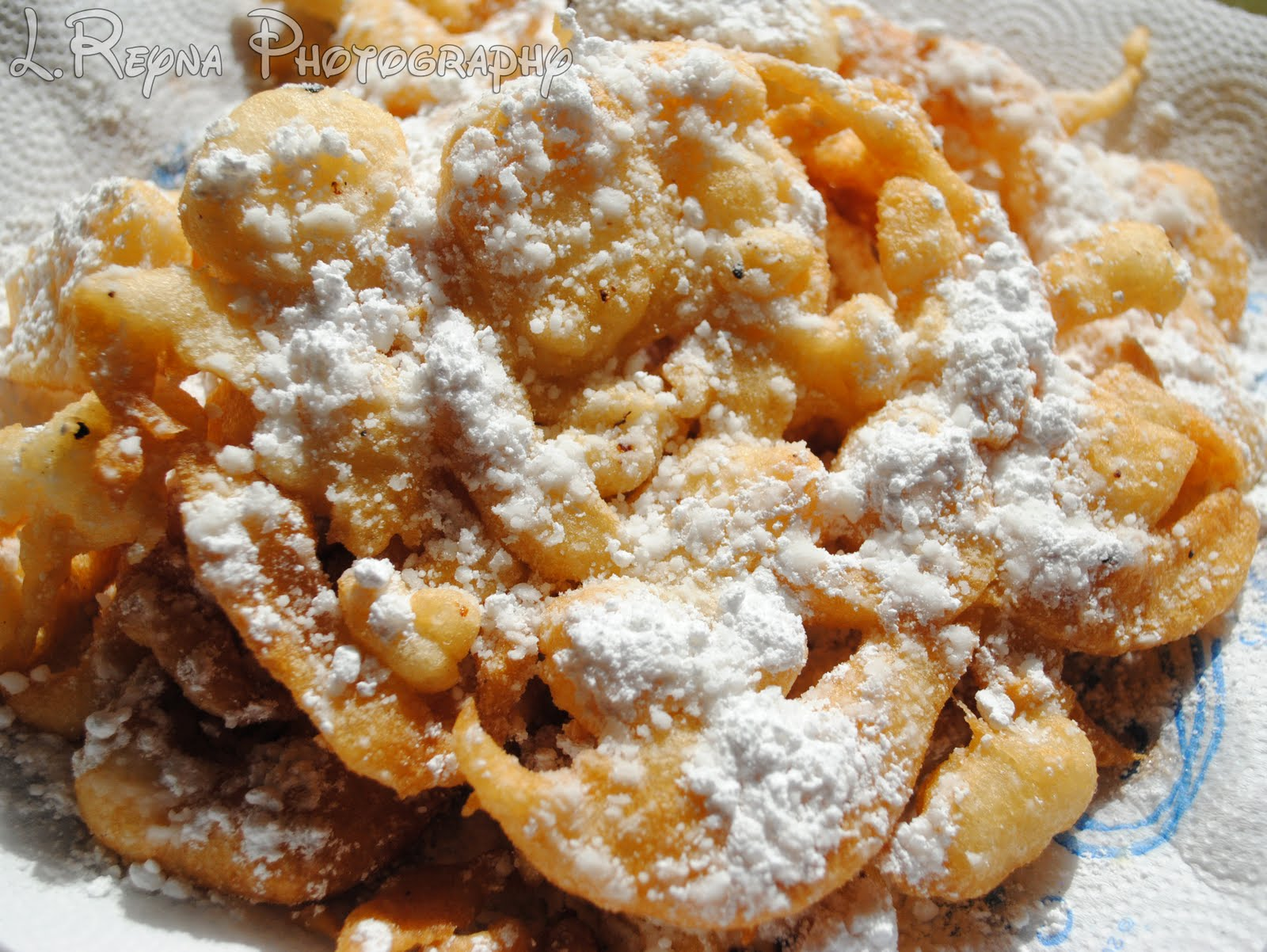 The Disney Diner: Sleepy Hollow: Funnel Cake Recipe