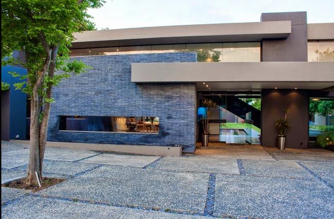 Casas minimalistas y modernas fachadas y frentes de casas for Frentes de casas minimalistas