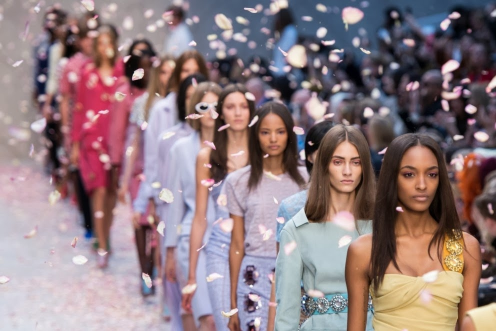 pastel trend spring summer 2014 burberry