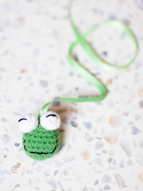 frog marcapaginas